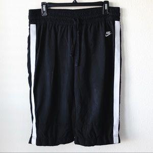 Nike Women's Crop Track Pants
